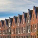 Commissie dringt aan op verdere hervorming Nederlandse woningmarkt
